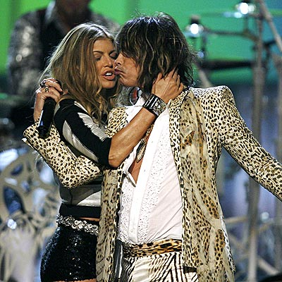 steven tyler is hot. FERGIE amp; STEVEN TYLER photo