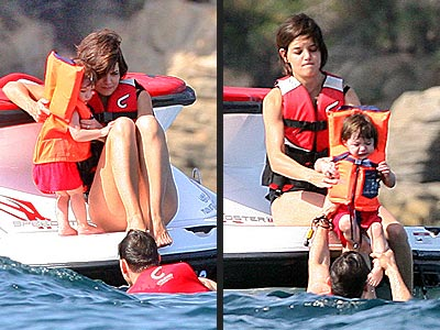 DIPPIN' TOT photo | Katie Holmes, Suri Cruise, Tom Cruise
