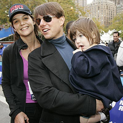 GOOD SPORTS photo | Katie Holmes, Suri Cruise, Tom Cruise