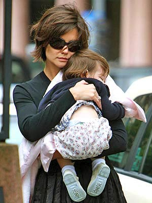 SWEET DREAMS photo | Katie Holmes, Suri Cruise