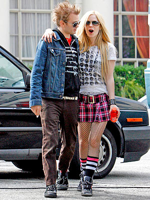 GOING STRONG photo | Avril Lavigne, Deryck Whibley