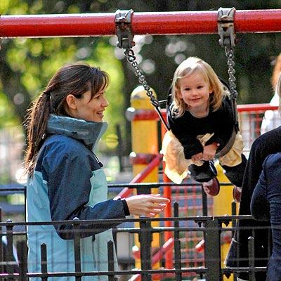 SWING KID  photo | Jennifer Garner
