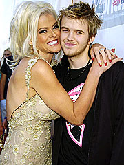 Inquest Finally Begins in Death of Anna Nicole's Son
