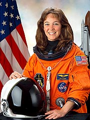 Ex-Astronaut Wants Monitoring Bracelet Removed | Lisa Nowak