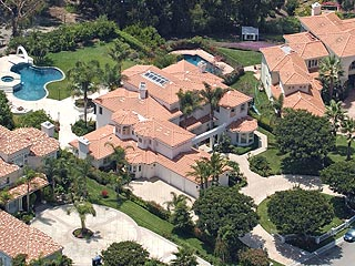 Britney Spears Cuts Price on Malibu Mansion| Britney Spears