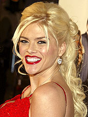 Judge: Anna Nicole Smith Associates Will Face Trial