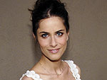 Amanda Peet Tries to Beat Muffin Top | Amanda Peet