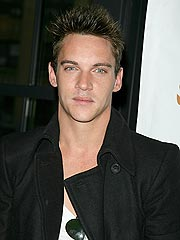 Jonathan Rhys Meyers Held After Airport Brawl | Jonathan Rhys Meyers