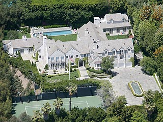 photo: house/residence of enigmatic weird  350 million earning Beverly Hills-resident