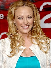 http://img2.timeinc.net/people/i/2007/news/070521/virginia_madsen.jpg