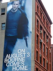 50-Foot Bourne Promo Hung on Matt Damon&#39;s Building | The Bourne Ultimatum, Matt Damon