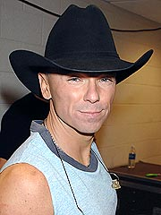 Kenny Chesney Injured During Concert