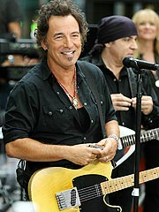 Woman Denies Affair with Bruce Springsteen
