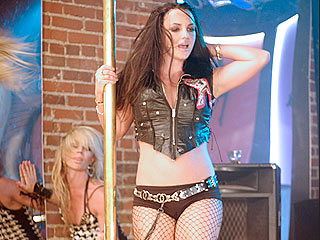 Britney Plays Dual Roles in Steamy 'Gimme More' Video