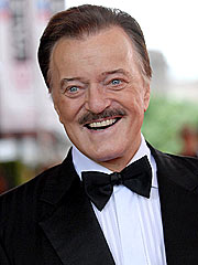 Singer Robert Goulet Dies at 73