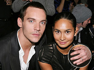 Jonathan Rhys Meyers Sports Ring on His Left Hand | Jonathan Rhys Meyers