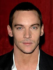 Jonathan Rhys Meyers Arrested in Dublin Airport