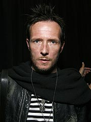 Troubled Rocker Scott Weiland Enters Rehab | Scott Weiland