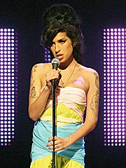 Amy Winehouse Cancels All 2007 Shows