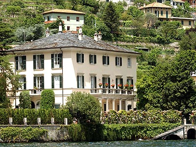 What Italian delicacy has its own dedicated room in George Clooney's Lake Como villa? | George Clooney