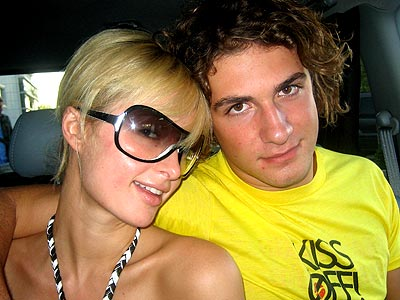 Stavros Niarchos dates Paris Hilton (now and then). But he once used to smooch: