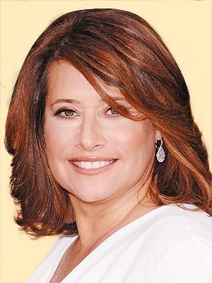 LORRAINE BRACCO, 53  photo | Lorraine Bracco