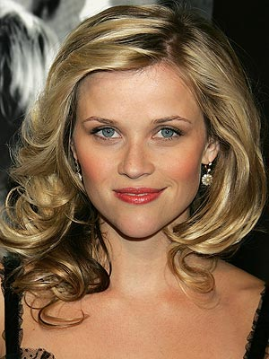 celebrity hairstyle. NOVEMBER 2005 photo | Reese Witherspoon