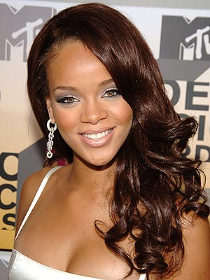 Rihanna with long hair, back in October 2007; image courtesy of People
