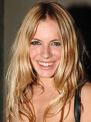SEPTEMBER 2005 photo Sienna Miller