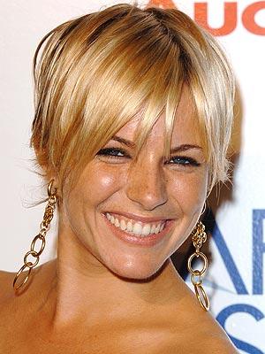 NOVEMBER 2005 photo Sienna Miller