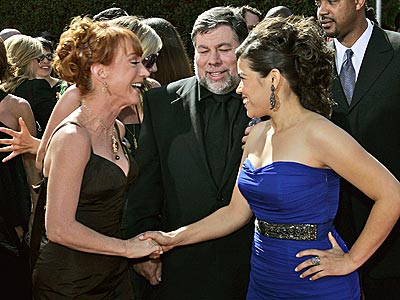 HELLO, AMERICA! photo | America Ferrera, Kathy Griffin