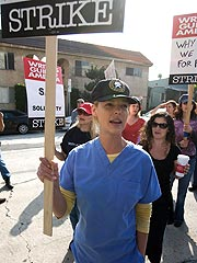 Writers Reach Agreement to End Strike | Katherine Heigl