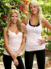 Amazing Race: The Blondes Make a Wrong U-Turn