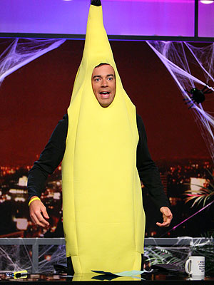 http://img2.timeinc.net/people/i/2007/specials/halloween/starscostumes/carson_daly.jpg