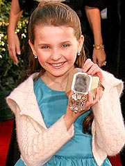 What's in Your Purse, Abigail Breslin?