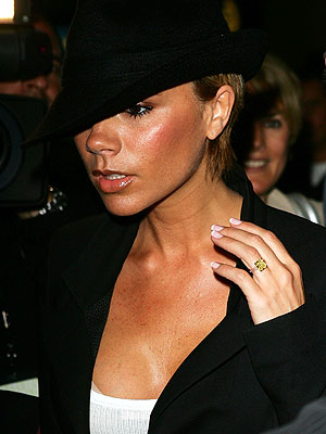 FRENCH MANICURE  photo | Victoria Beckham