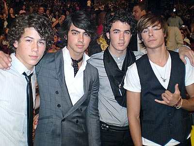 Jonas Brothers beautiful wallpaper - Nick Jonas beautiful wallpaper show ... beautiful wallpaper