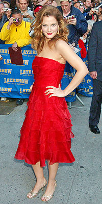 25 Best Red-Carpet Dresses of the Year - DREW BARRYMORE - Drew Barrymore : People.com :  drew actor red barrymore