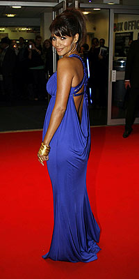 Maternity Dress on 2007 S Gowns Were All About Drama     Bold Colors  Edgy Metallics And