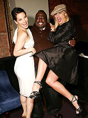 UP, UP AND AWAY!  photo | Cedric the Entertainer, Lucy Liu, Nicollette Sheridan