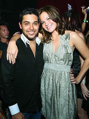 SPARKS FLY photo | Mandy Moore, Wilmer Valderrama