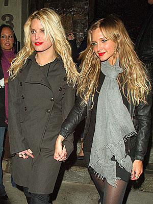 SHARE AND SHARE ALIKE  photo | Ashlee Simpson, Jessica Simpson
