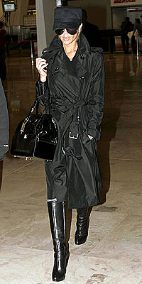 TEMPORARY LANDING  photo | Victoria Beckham