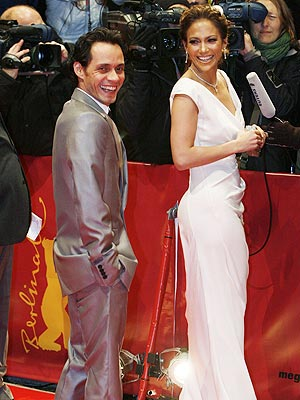 WHO'S GOT BACK?  photo | Jennifer Lopez, Marc Anthony