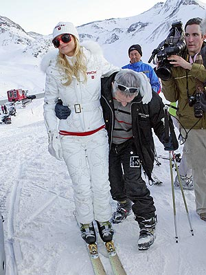 SEE & SKI  photo | Paris Hilton
