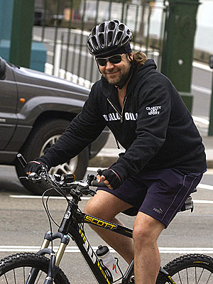 SPIN CYCLE photo | Russell Crowe