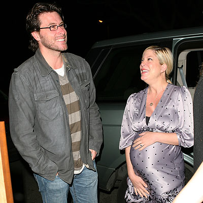 GET A GRIP  photo | Dean McDermott, Tori Spelling