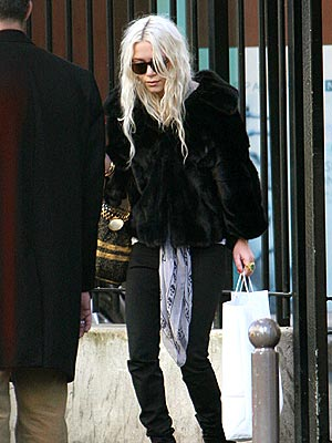 FASHION REPLAY  photo | Mary-Kate Olsen
