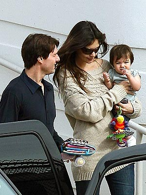 CRUISING ALONG  photo | Katie Holmes, Tom Cruise