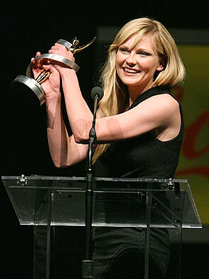WINNING MOMENT photo | Kirsten Dunst